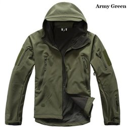 Wholesale Fall High quality Lurker Shark skin Soft Shell V Outdoor Military Men Tactical Jacket Waterproof Windproof Sports Army Clothing