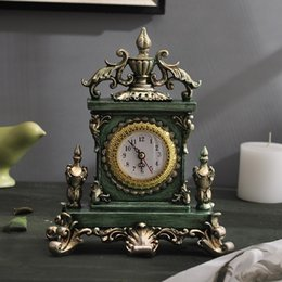 Wholesale European luxury watch retro bedroom living room table resin Home Furnishing American decorative electronic clock manual creative ornaments