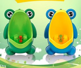 Wholesale Kids PP Frog Children Stand Vertical Urinal Wall Mounted Urine Potty Groove Kids Baby Boys Urinal New Promotion Wall mounted Training Toilet