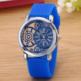 Casual For Woman Silicone Watch Band Round Dial Analog Quartz Brand New Womens Sport Watch Lady Watch