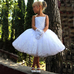2016 New Puffy Girls Pageant Dress Spaghetti Straps Exquisite Beaded Lace Appliques Top Kids Tutu Flower Girl Dresses for Weddings