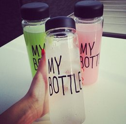 Wholesale Hot plastic sports water bottle Garrafa de agua Stylish simplicity my bottle ml whey protein my bottle with bag