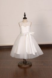 2016 Ivory Lace Tulle Flower Girl Dress With Elegant Sash and Bow