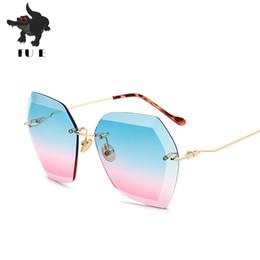 The latest style fashion ladies sunglasses luxury brand designer sunglasses female shadow rimless sunglasses UV400 RA029