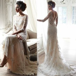 Wholesale Vintage Wedding Dresses Ivory Half Sleeves Lace Appliques Sheer Backless Romantic Bridal Gowns Corset Scoop Dress For Bride With Court Train