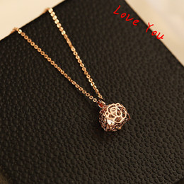 Hollow Our Rose with Cubic Zirconia Necklace & Pendant Vintage Rose Gold Plated Chain Choker Necklace for Women Coatume Jewelry