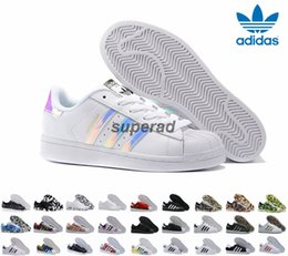 Wholesale 28 Colors Adidas Originals Superstar White Hologram Iridescent Junior Superstars Sneakers Super Star Women Men Sport Running Shoes