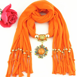 Newest Cheap Fashion Women Scarf Direct Factory Jewelry Scarves Women Gold Alloy Colored Rhinestones Flower Scarf Necklace