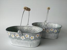 Wholesale Metal Planter pot garden Oval Iron pots flower pot Hanging Planter with wood handle vintage flower