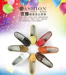Wholesale Hot Women walk Exercise Running beach Travel shoes Breathable shoes Sandals Genuine Leather Cow Muscle Flats Mother soft bottom shoes A1478