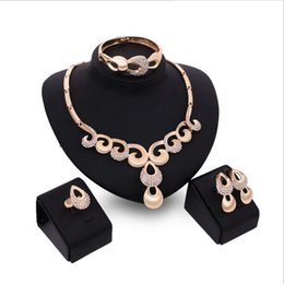 2017 new 18k gold necklaces earrings bracelets rings a family of four ladies clothing accessories jewelry sets party bridal suite Free Shipp