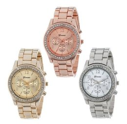 Regarder rose d'or à vendre-Montre en acier de diamant de diamant de mode en alliage montre-bracelet à quartz pour les femmes hommes avec argent / or / rose couleur dorée