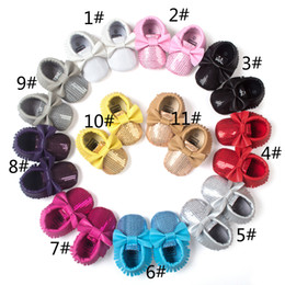 Wholesale 11 Colors New Baby First Walker Shoes Sequined moccs Baby moccasins soft sole moccasin leather Colorful Bow Tassel Sequin booties toddlers s