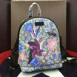 Wholesale The natural beauty of the Phoenix and the freedom of love to describe the bird and tropical plant design backpack