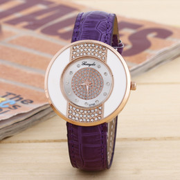 Korean Fashion Lady Watches Band Leather Roun Dial Crystal Watch Quartz Analog Casual for Woman Fashion Dress Watch