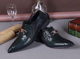 Hot Selling Luxury Python Snake Pattern Mens Dress Shoes Fashion Pointed Toe Patent Leather Boat Shoes Slip On Flat Wedding Shoe