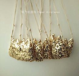 2016 INS Children Crossbody Bag for Girls Cool Gold Sequins Crown Kids Fringe Bag Bow Messenger Bags Handmade Small Bag Coin Purse glitter