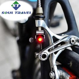 Wholesale Hot Soul Travel Battery Wheel Spokes Bike Light Cree Super Brake Led Bicycle Lights Limited Real Cycling Accessories Bicicleta