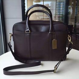 Nouveaux hommes de mode BRIEFCASE Sacs d'homme d'affaires célèbre sac de concepteur pour hommes sac à main de haute qualité homme 683 à partir de sac d'affaires fournisseurs