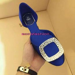 Wholesale New fashion luxury designer RV Europe Woman Flat Heel Summer Platform Soft Shoes with diamond decoration women shoes