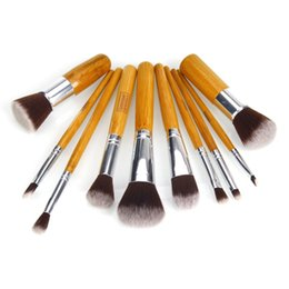 Wholesale Best Quality Basic Handle Makeup Brushes Make up Toiletry Kit Bamboo Material Eyeshadow Foundation Cosmetic Tools with Bag