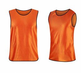Wholesale Top quality team uniform new hot sale customized soccer waistcoat breathable adult football grouping training vest