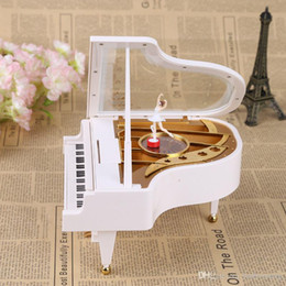Wholesale 2016 New White Gold Piano Music Box Classical Day Gift Boutique with Dancing Girl Song to Alice Mechanical Dancing Ballerina