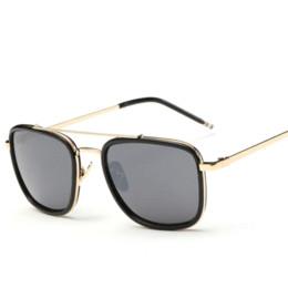 2017 gafas de diseño fresco Cuadrado de la manera Gafas de sol mujeres / hombres Primera marca fresca de Colorfull lente gafas de sol Eyewear Accesorios tarjeta 1550 baratos gafas de sol gafas de diseño fresco oferta