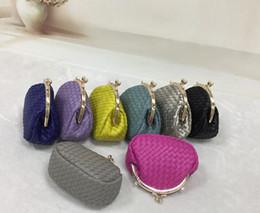 2016 New Handbags spring and summer new Korean Shoulder Messenger bag ladies knitting fashion chain bag small bag trend