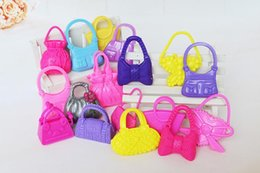 Wholesale 100pcs Mix Styles Colorized Fashion Morden Doll Bags Accessories Toy For Barbie Kurhn Doll kid's Birthday Xmas Gift