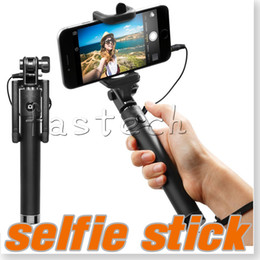Extendable Handheld Professional uxury Universal Monopod Holder Selfie Holder Built-in Shutter Wired Selfie Stick For Iphone Samsung