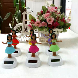 Wholesale Price Pieces Per Swing Under Full Light No Battery Mixing Colors Novelty Toys Happy Dancing Solar Powered Hula Girls