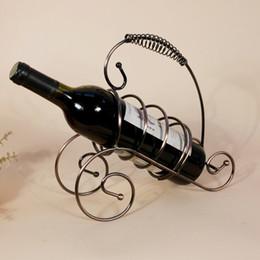 Promotion supports métalliques pour le verre Restaurant Décoration petit casier à vin frais Continental Fer Holder rack Porte-vin décoratifs rack verre Stand For Bottles