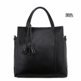 Wholesale Head layer cowhide leather handbag soft bulk embossed handbag shoulder bag women bag diagonal cow leather material