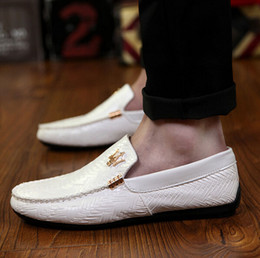 Wholesale Fashion Brand Italian luxury designer Shoes Men Loafers Genuine Leather Shoes slip on Casual flats Men Dress Shoes For Men