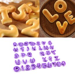 Wholesale NEW ARRIVAL English Letter Font Alphabet Cookie Cutter Number Cookie Cutter Set Cake Tool Decorating Fondant Mold Hot