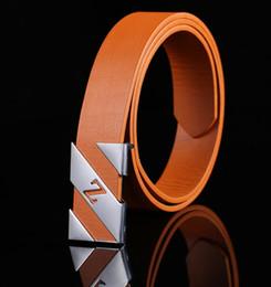Compra Online Cinturones de cuero-2016 cinturones clásicos calientes Cinturones al por mayor Cinturones de cuero a estrenar de los hombres de la mujer de la correa de los hombres a estrenar de los hombres negro blanco