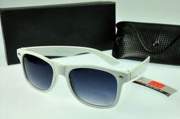 Wholesale 2016 new products selling sunglasses ultra thin hook polarizer sunglasses fashionable joker tide restoring ancient ways