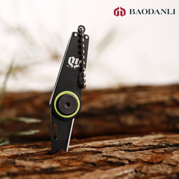Wholesale Gear Fold mini pocket keychain knife for zipper backpack key chain camp hike outdoor cutter survival tool kit key knife
