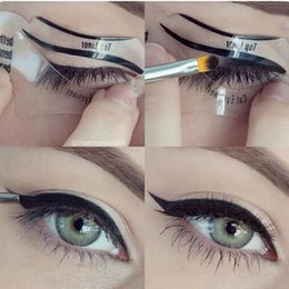 LANBENA 2 style Fashion Eyeliner Template Eyeliner Card Eyeliner Stencil Eye Makeup Set Makeup Brushes Tools Eye Liner