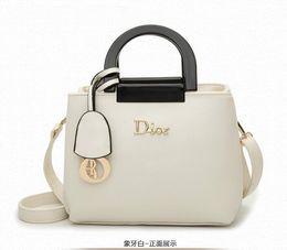 Wholesale Authentic Handbags European And America Women Bag Fashion Leather Handbag Shoulder Bag Lady Mobile Messenger Bag Shell Bag