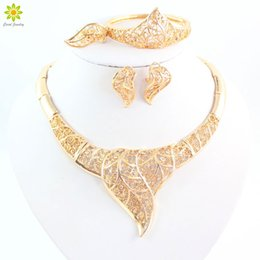 Fashion Lady Gold Plated Bridal Jewelry Sets fine jewelry Wedding Accessories Statement Necklace 18k Gold Jewelry Sets