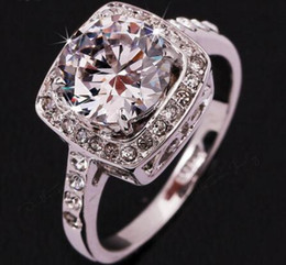 2016 Exaggerated Big CZ Diamond Wedding Ring Wholesale 18K Platinum Plated Trinket Crystal Jewelry For Women Gift