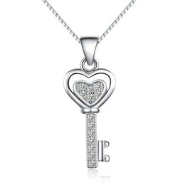 Wholesale Authentic Stealing Silver Key Pendant Necklace Key Lock Design Clear Austrian Crystal Fashion Charm Jewelry Gift Party A75 Hot