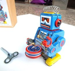 Wholesale Newest Design Retro Styles Robot Tin Clockwork toy for Kids Robot Classic Toys