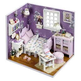 Wholesale 2016 New Wooden Dollhouse Furniture Kids Toys Handmade Gift Diy Doll House Kits With LED Stuff Home Decor Craft Doll Houses Miniature H001