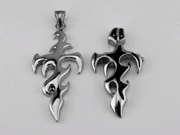 Europe and the United States to restore ancient ways the cross necklace.Titanium steel casting sword pendant.STN278 .game animation flame.