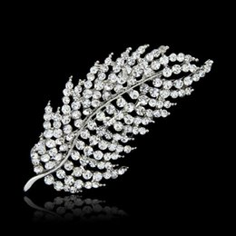Wholesale Hot Fashion Jewelry Sexy Amazing Brooches Hollow Out Crystal Roses Leaves Brooch Bride Wedding Brooches Pins