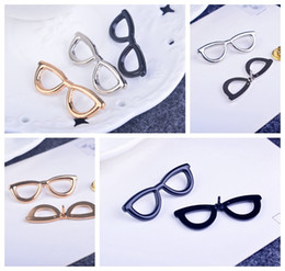 Korean version of the new glasses personalized jewelry brooch small collar men and women suit corsage brooch pin angle Gifts