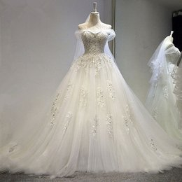 Bateau Neck Beaded Appliques Ball Gown Wedding Dress With Crystal 2016 Court Train Bridal Gowns Lace Up